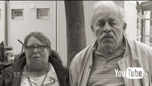 Embedded thumbnail for Deutsches Ehepaar lebt im Flüchtlingscontainer