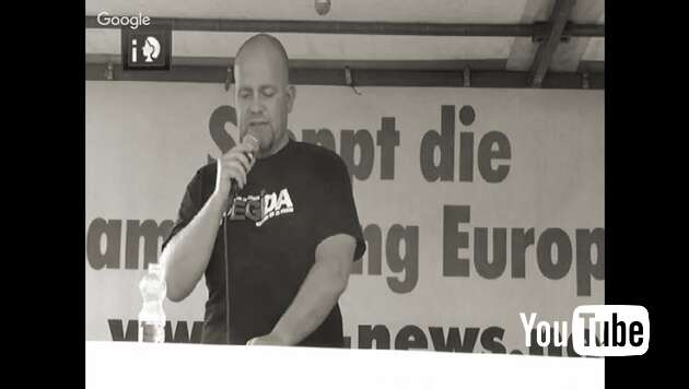 Embedded thumbnail for PEGIDA Livestream 22.8.2016