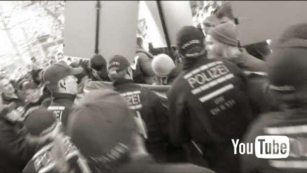 Embedded thumbnail for Moslems und Antifa greifen Stürzenberger an
