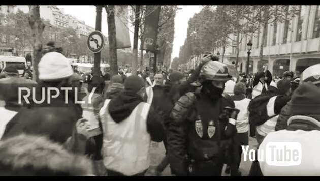 Embedded thumbnail for Livestream: Paris - Protest der Gelbwesten