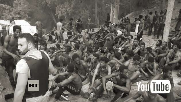 Embedded thumbnail for Junge Afrikaner stürmen Ceuta
