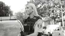 Embedded thumbnail for Polizei macht sich mit Rap zum Depp